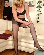 Sultry mature chick in lacy pantyhose getting the shit fucked out her twat