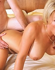 Enticing cougar anilos gets pounded hard and receives a mouthful of hot spunk