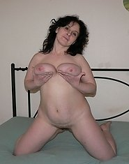 This mature cunt really loves a hard cock