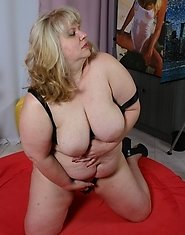 Chunky housewife fucking and sucking her big ass off