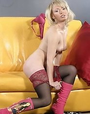 Adorable mature blonde gets rid of lace lingerie