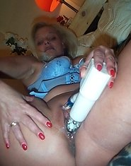 sexy mature playing with herself