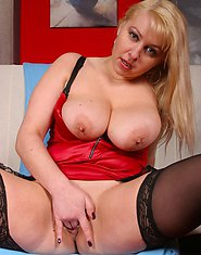 Blonde MILF Nikole is ready for some action