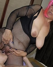 This big mature slut loves her mature girlfriend