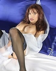 Terrific dark-haired mama gets rid of her panties